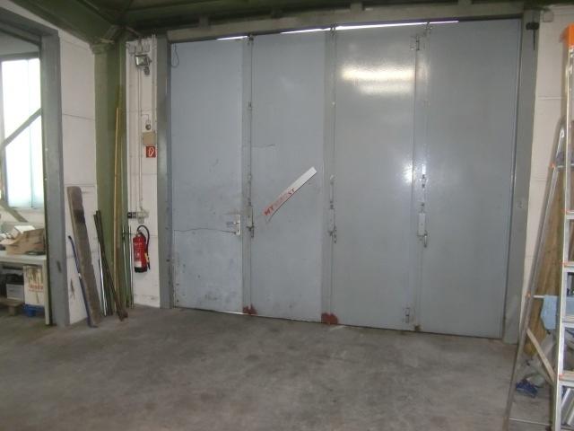 seitliche-Einfahrt-in-hintere-Werkstatt