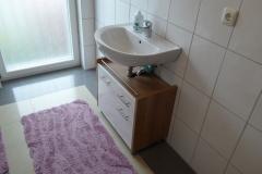 Rodheim-Waschbecken-mit-Unterschrank-OG