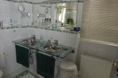 O Waschbecken Spiegel OG